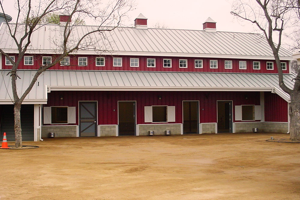 metal-zoo-barn-building