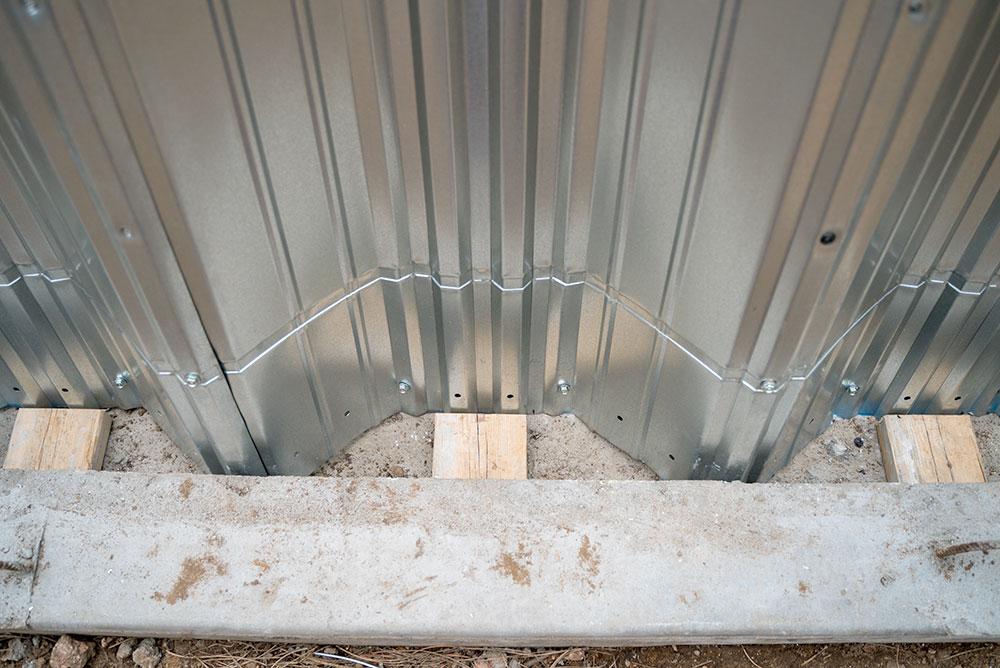Arch Building Metal