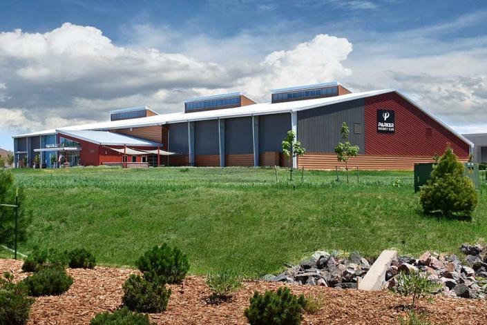 Metal Tennis Center